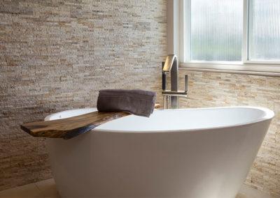 regalconceptsanddesigns_meester_bathroomremodel_after_freestandingtub